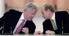 US President Bill Clinton (L) and Russian Presiden