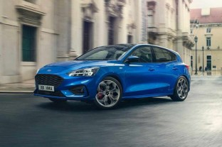 Ford-Focus-ST-Line-European-Market-crop