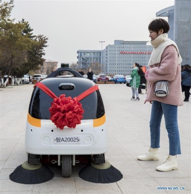 Driverless Sweeper keeps the road clean